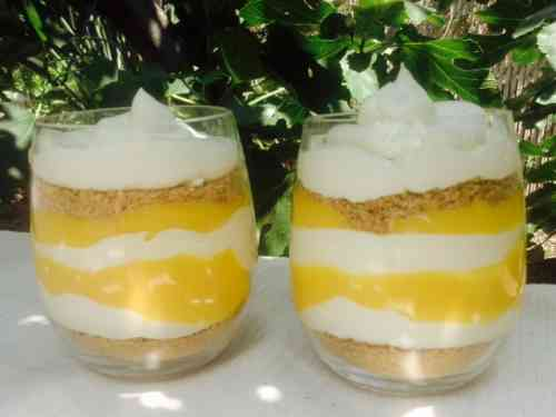 foodie - brunch - mango parfaits.jpg