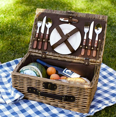 rattan-picnic-basket-for-2-1371668871.jpg